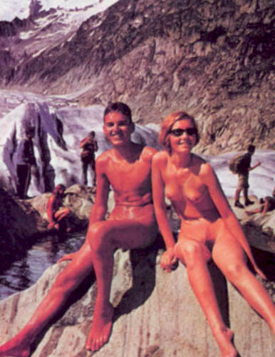 Naturism in winter